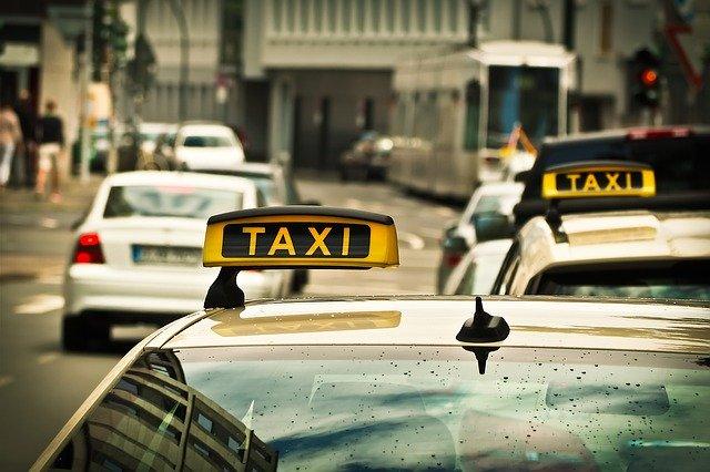 Firma taksówkarska – jak wybrać tę najlepszą?