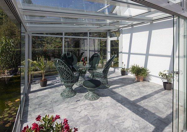 Salon w ogrodzie zimowym? To wcale nie jest trudne!